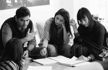 Humayun Saeed, Mahira Khan and Deepti Gupta on the set of Mehreen Jabbar's play, 'Neeyat'.  (Photo courtesy: Laajstudios)
